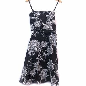 WHITE HOUSE BLACK MARKET Floral Fit Flare Dress 8